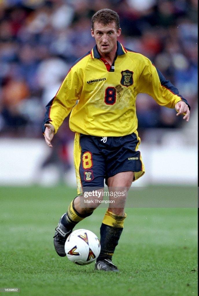 Billy McKinlay of Scotland on the ball during the European Championship qualifier against Estonia in Edinburgh, Scotland. Scotland won 3-2. \ Mandatory Credit: Mark Thompson /Allsport