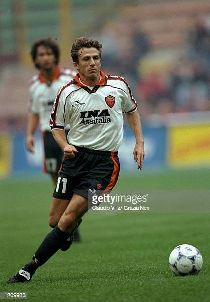 Eusebio di Francesco of Roma in action during the Serie A match against AC Milan at the San Siro in Milan Italy Mandatory Credit Claudio Villa...