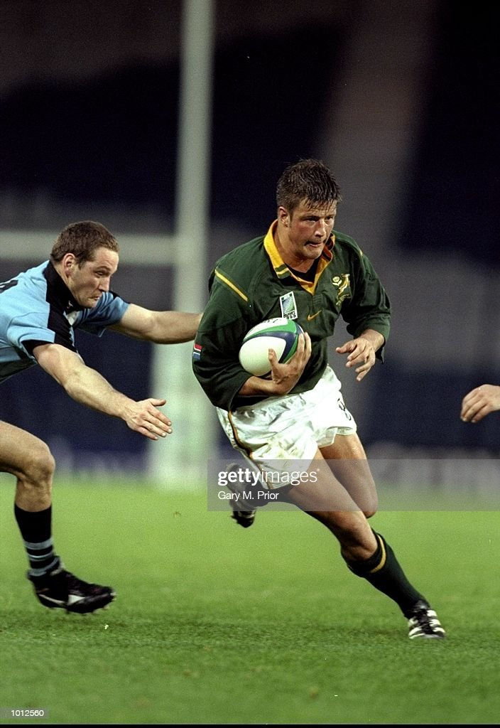Bobby Skinstad of South Africa in action against Uruguay during the Rugby World Cup Pool A match at Hampden Park in Glasgow, Scotland. South Africa won 39-3. \ Mandatory Credit: Gary M Prior/Allsport