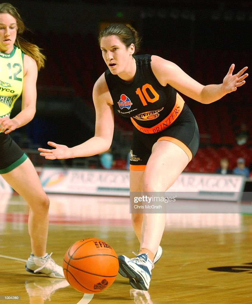 Belinda Snell #10 of the Panthers in action during the WNBL match between the Sydney Panthers and the Dandenong Rangers held at the Sydney Superdome, Sydney, Australia. DIGITAL IMAGE Mandatory Credit: Chris McGrath/ALLSPORT