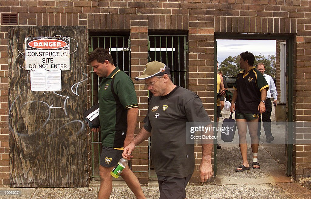 Coach Chris Anderson (center) and players head for the team bus after the Australian Kangaroos team training session held at Erskineville Park in Sydney, Australia. DIGITAL IMAGE. Mandatory Credit: Scott Barbour/ALLSPORT