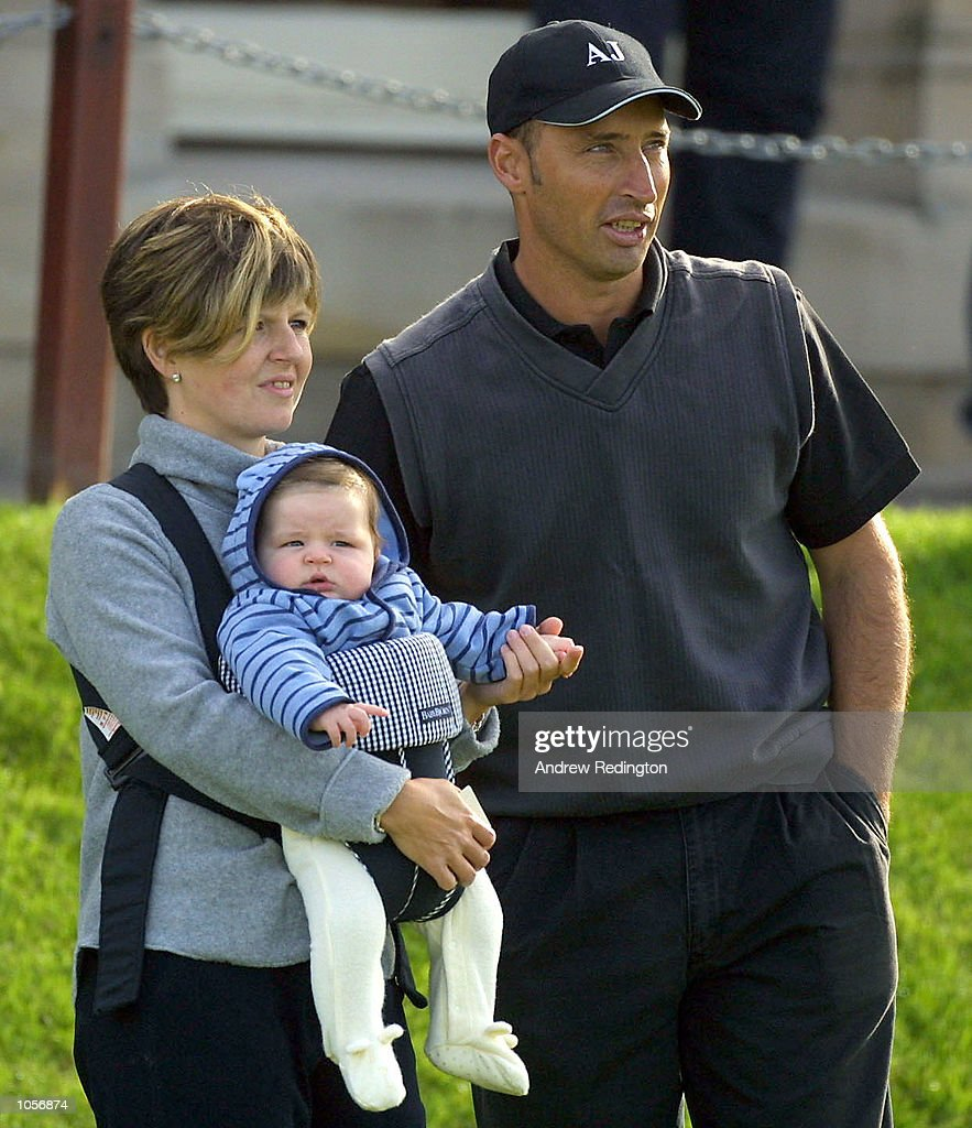 England cricket captain Nasser Hussain with his family on the first tee at St.Andrews during the first official practise round prior to the inaugural US$5,000,000 Dunhill Links Championship which starts at the Old Course St Andrews, The Championship Course at Carnoustie and the Kingbarns Gold Links on Thursday 21st October 2001.DIGITAL IMAGE. Mandatory Credit: Andrew Redington/ALLSPORT