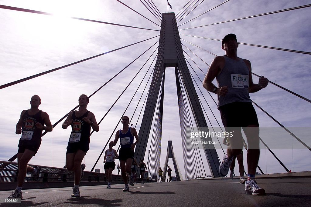 General view as runners cross the Anzac Bridge during the Flora Sydney Marathon held through the streets of Sydney in Australia. DIGITAL IMAGE. Mandatory Credit: Scott Barbour/ALLSPORT
