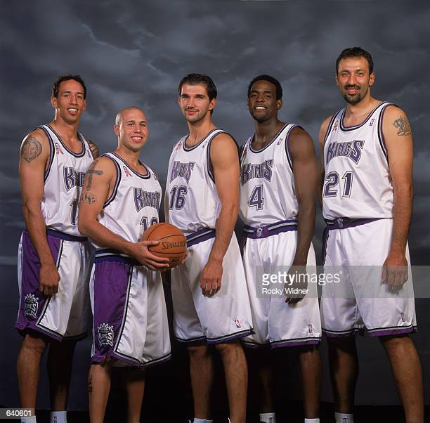 LR Doug Christie Mike Bibby Predrag Stojakovic Chris Webber and Vlade Divac of the Sacramento Kings pose for a studio portrait on Media Day in...