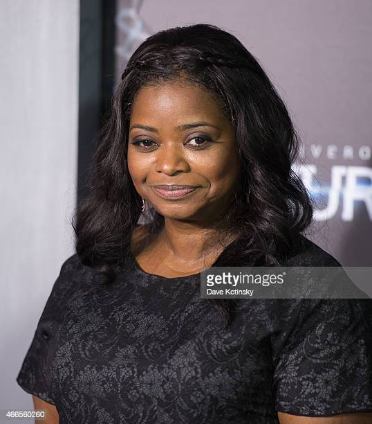 Octavia Spencer arrives at the 'The Divergent Series Insurgent' New York premiere at Ziegfeld Theater on March 16 2015 in New York City