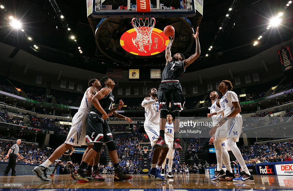 Octavius Ellis #2 of the Cincinnati Bearcats goes up for a dunk against the Memphis Tigers on February 6, 2016 at FedExForum in Memphis. Memphis defeated Cincinnati 63-59.