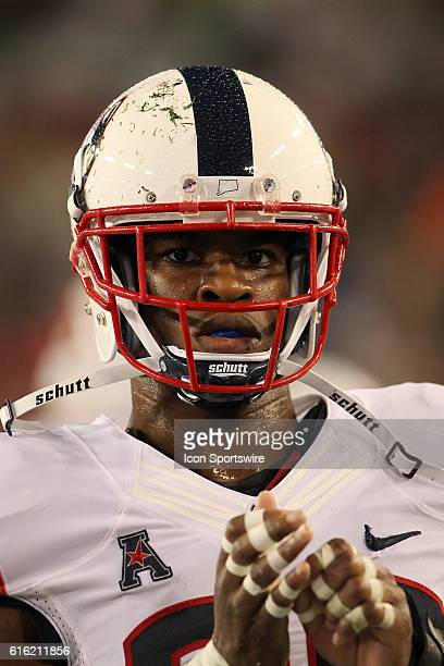 UCONN's Obi Melifonwu during the game between the UCONN Huskies and the South Florida Bulls at Raymond James Stadium in Tampa Florida