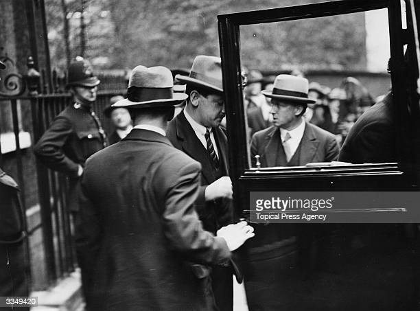 Irish soldier and Minister for Defence Michael Collins leaving Downing Street London after treaty negotiations between representatives of Sinn Fein...