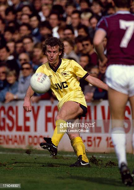 12 October 1985 Football League Division One West Ham United v Arsenal Graham Rix wearing the yellow Arsenal change kit