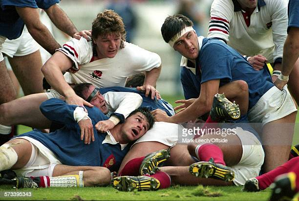 19 October 1991 Paris Rugby World Cup France v England Mickey Skinner Brian Moore Laurent Cabannes and Olivier Roumat on the floor after a ruck