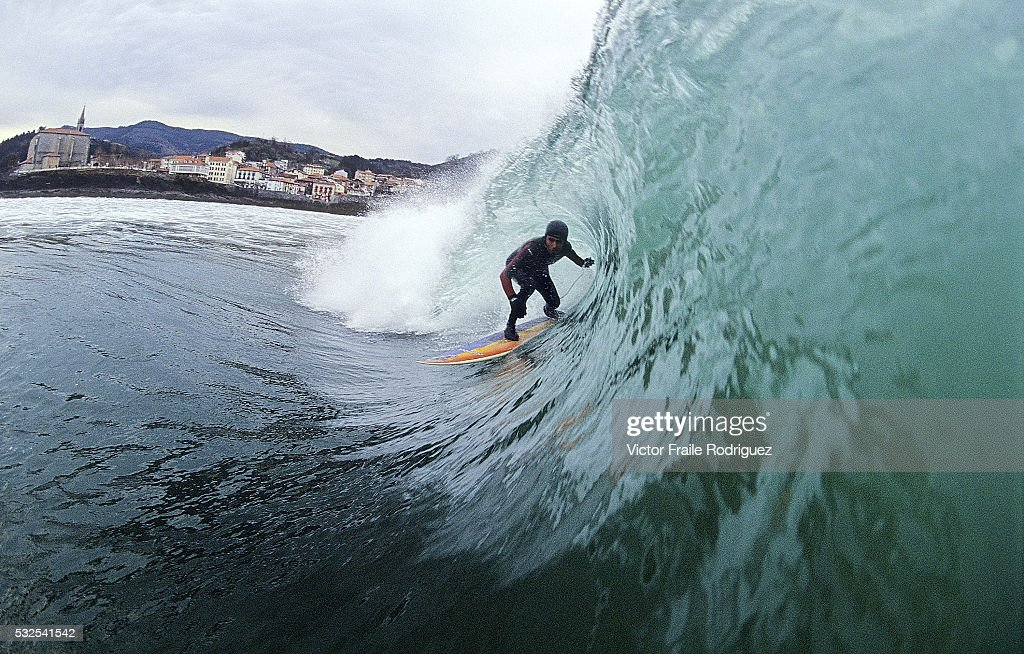 20 October 2005 Mundaka Spain A surfer in action at the famous beach break of Mundaka northern Spain Photo by Victor Fraile Image by © Victor...