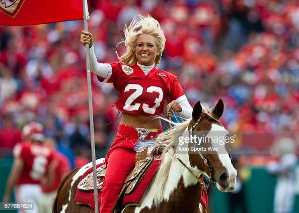 Kansas City Chiefs Warpaint Stock Photos and Pictures ...