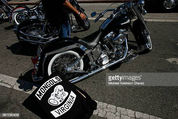 October 21 2008 Hundreds of heavily armed federal agents and local police fanned out across Southern California and cities in other states early this...