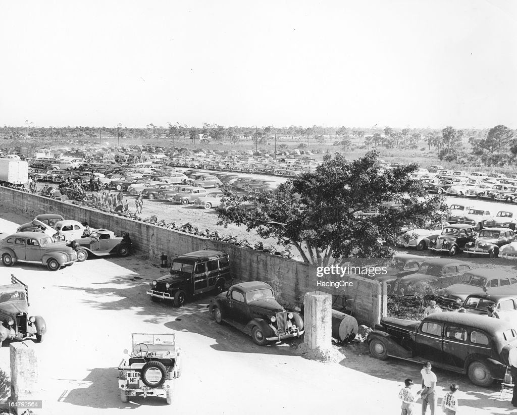 A huge crowd used every available parking place in order to watch the opening automobile race held at Pompano Speedway, a one-mile facility normally used for horse racing.