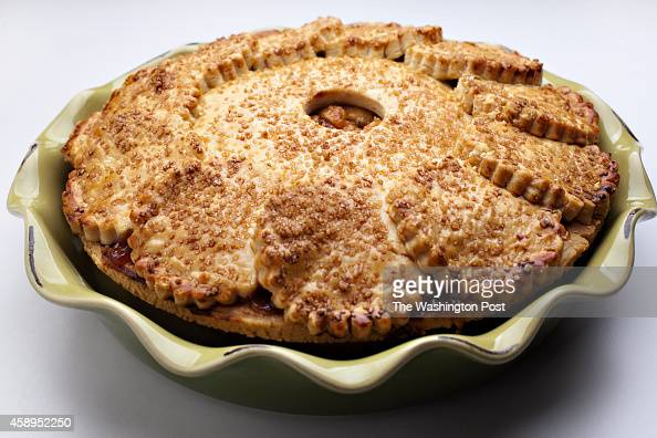 Apple Pie Bakery Stock Photos and Pictures | Getty Images