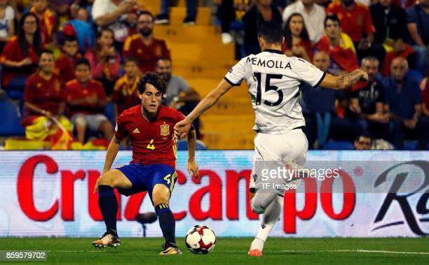 Odriozola of Spain controls the ball during the FIFA 2018 World Cup Qualifier between Spain and Albania at Rico Perez Stadium on October 6 2017 in...