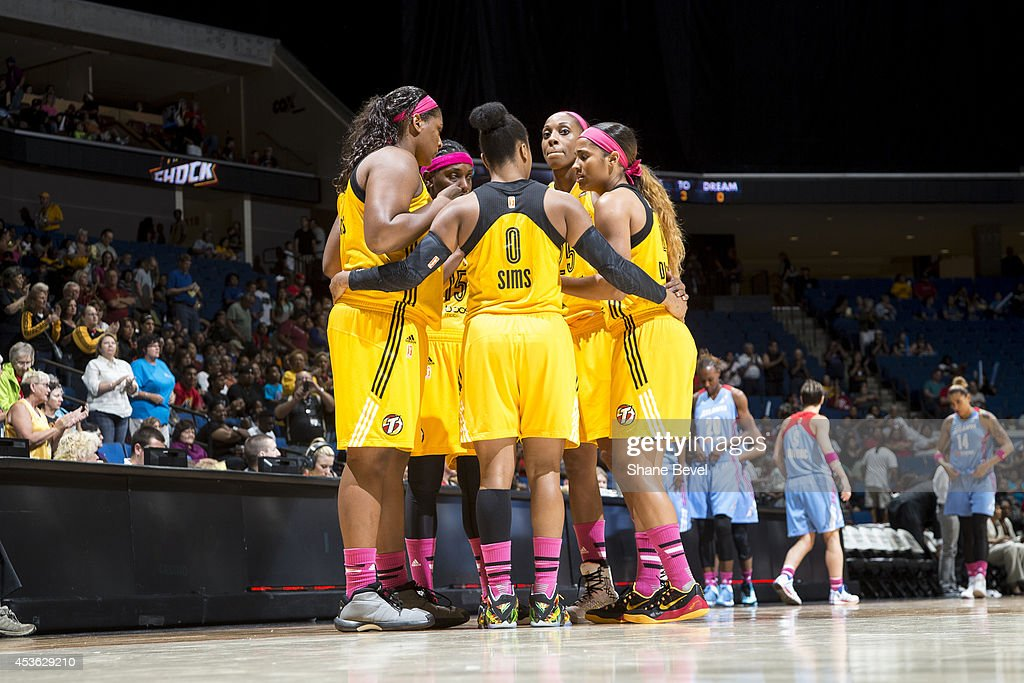 <a gi-track='captionPersonalityLinkClicked' href=/galleries/search?phrase=Odyssey+Sims&family=editorial&specificpeople=7412276 ng-click='$event.stopPropagation()'>Odyssey Sims</a> #0 of the Tulsa Shock huddles with teammates against the Atlanta Dream during the WNBA game on July 29, 2014 at the BOK Center in Tulsa, Oklahoma.