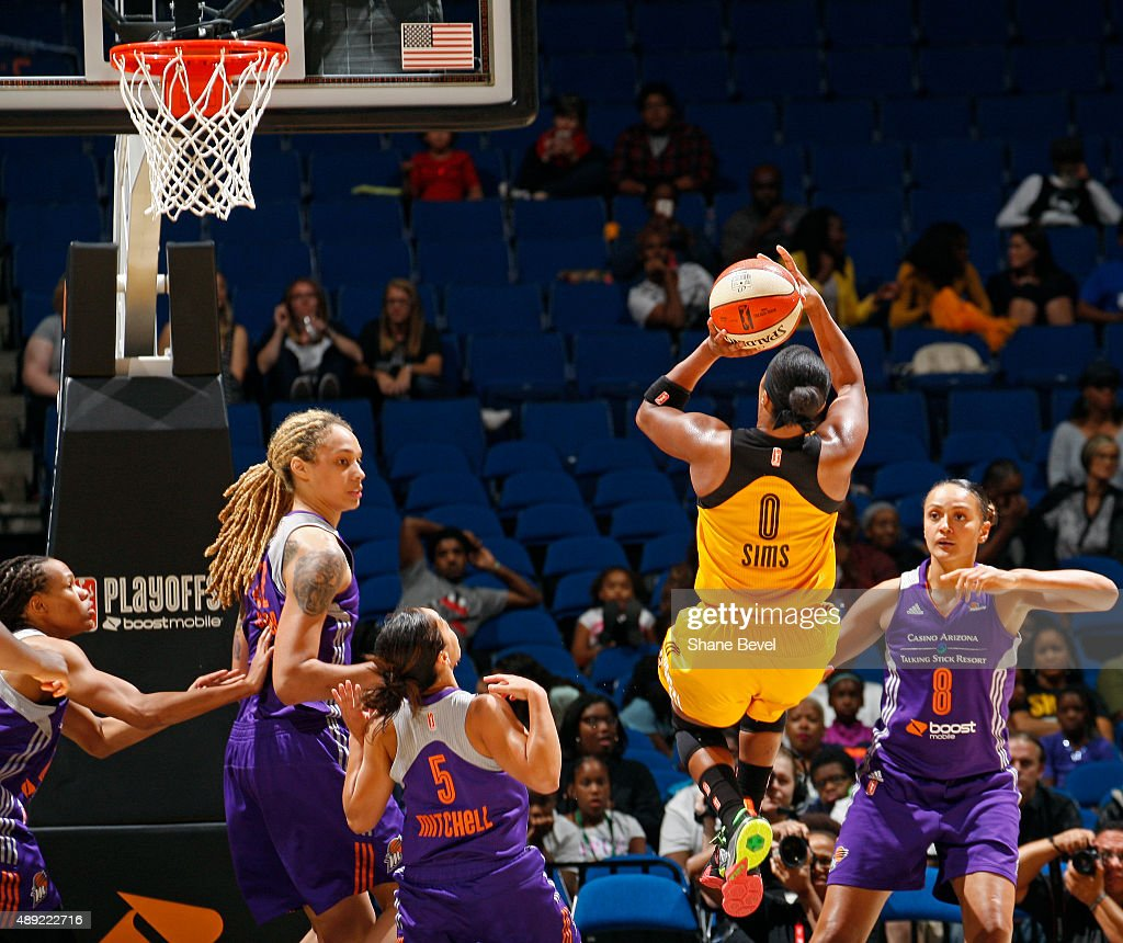 <a gi-track='captionPersonalityLinkClicked' href=/galleries/search?phrase=Odyssey+Sims&family=editorial&specificpeople=7412276 ng-click='$event.stopPropagation()'>Odyssey Sims</a> #0 of the Tulsa Shock shoots the ball against the Phoenix Mercury during Game Two of the WNBA Western Conference Semifinals on September 19, 2015 at the BOK Center in Tulsa, Oklahoma.