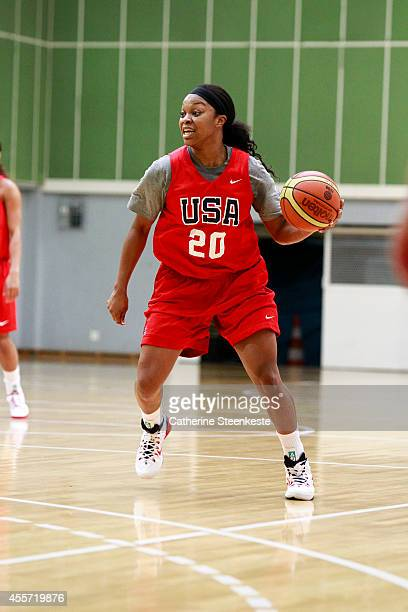 Odyssey Sims of the USA Women's National Team looks to pass the ball during practice at Stade de Coubertin on September 18 2014 in Paris France NOTE...