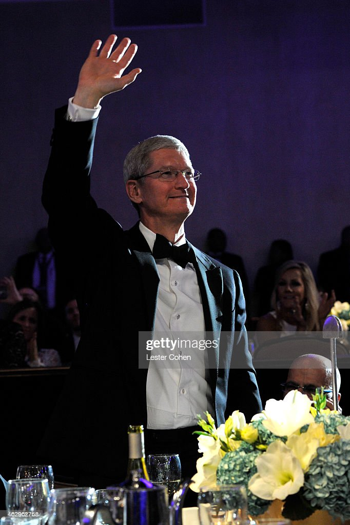 CEO of Apple <a gi-track='captionPersonalityLinkClicked' href=/galleries/search?phrase=Tim+Cook+-+Director+ejecutivo+de+empresa&family=editorial&specificpeople=8084206 ng-click='$event.stopPropagation()'>Tim Cook</a> attends the Pre-GRAMMY Gala and Salute to Industry Icons honoring Martin Bandier at The Beverly Hilton Hotel on February 7, 2015 in Los Angeles, California.