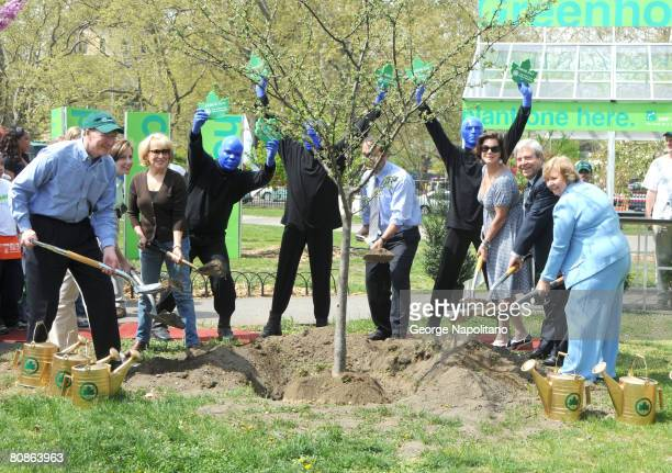CEO of BNP Paribas North America Edward Shank Actress and singer Bette Midler the Blue Man Group C ommissioner of Parks Recreation Addrian Benepe...
