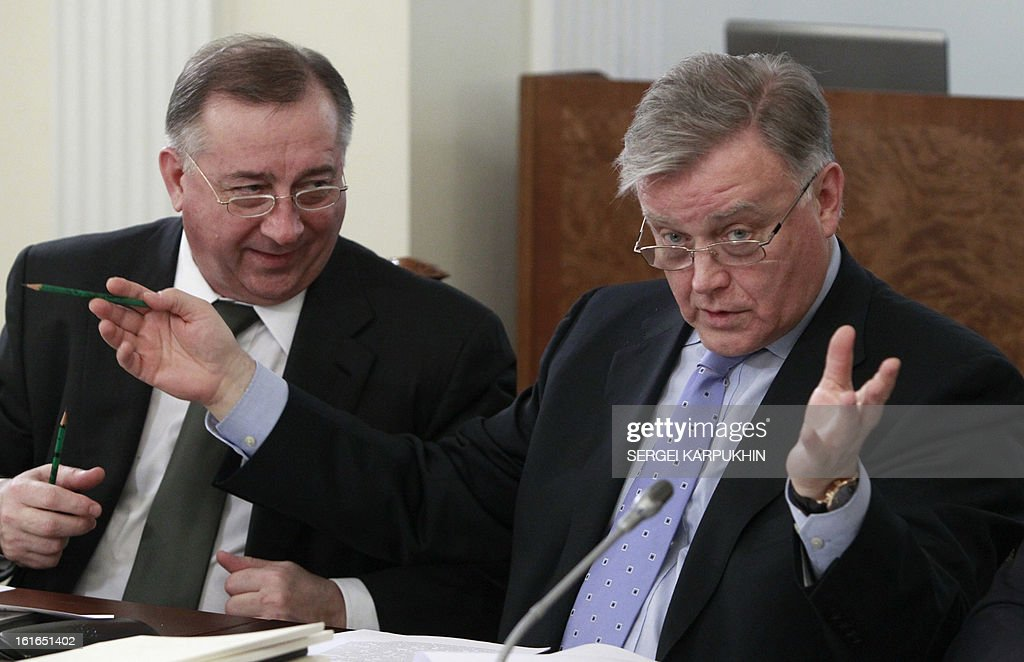 CEO of Russian Railways Vladimir Yakunin (R) and President of Transneft oil company Nikolay Tokarev speak before a meeting on issues of fuel and energy at the Novo-Ogaryovo state residence outside Moscow, February 13, 2013