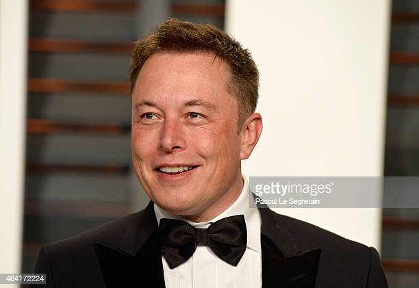 CEO of Tesla and Space X Elon Musk attends the 2015 Vanity Fair Oscar Party hosted by Graydon Carter at Wallis Annenberg Center for the Performing...