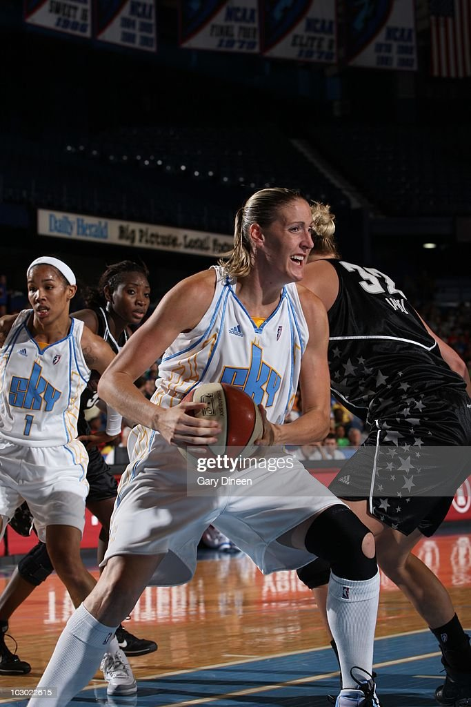 of the Chicago Sky of the San Antonio Silver Stars during the WNBA game on July 14 2010 at the AllState Arena in Rosemont Illinois Chicago Sky won...