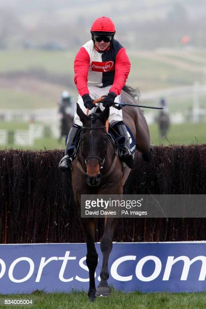Ofarel d'Airy ridden by Sam Thomas jumps the fence in the Boylesportscom Cashback Steeple Chase