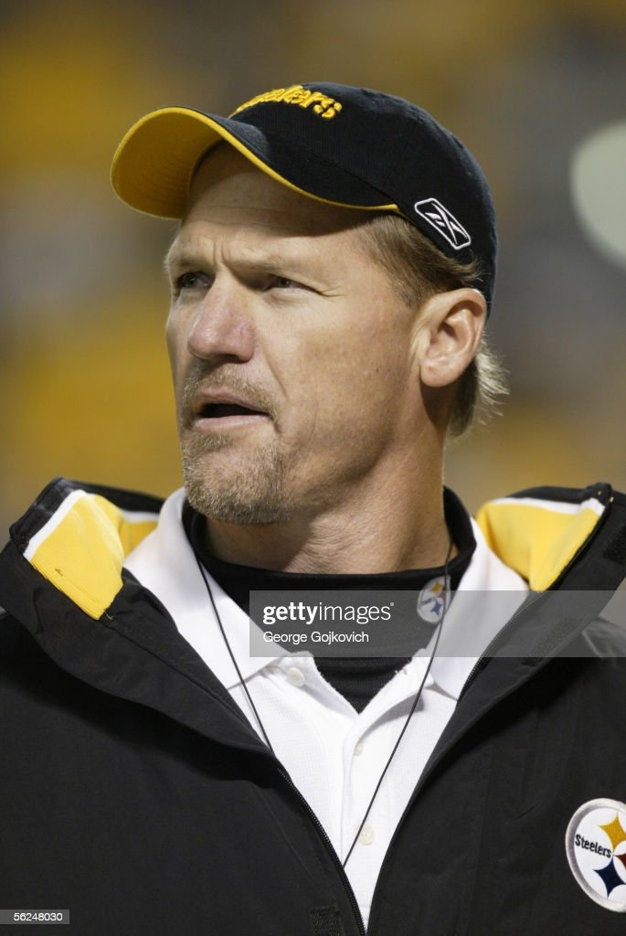 Offensive coordinator Ken Whisenhunt of the Pittsburgh Steelers on the sideline before the start of a game against the Cleveland Browns at Heinz...