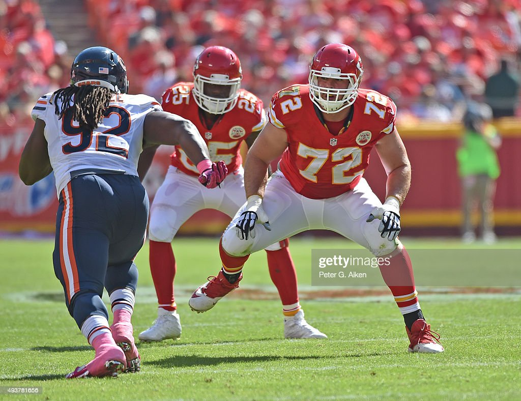 Offensive linemen <a gi-track='captionPersonalityLinkClicked' href=/galleries/search?phrase=Eric+Fisher+-+American+Football+Player&family=editorial&specificpeople=10866831 ng-click='$event.stopPropagation()'>Eric Fisher</a> #72 of the Kansas City Chiefs gets set on the offensive line against the Chicago Bears during the first half at Arrowhead Stadium on October 11, 2015 in Kansas City, Missouri.