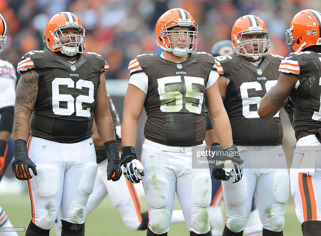 Offensive linemen <a gi-track='captionPersonalityLinkClicked' href=/galleries/search?phrase=Jason+Pinkston&family=editorial&specificpeople=4484224 ng-click='$event.stopPropagation()'>Jason Pinkston</a> #62, Alex Mack #55, and <a gi-track='captionPersonalityLinkClicked' href=/galleries/search?phrase=Shawn+Lauvao&family=editorial&specificpeople=4629010 ng-click='$event.stopPropagation()'>Shawn Lauvao</a> #66 of the Cleveland Browns looks at the scoreboard in-between plays during a game against the Chicago Bears at FirstEnergy Stadium in Cleveland, Ohio. The Bears won 38-31.