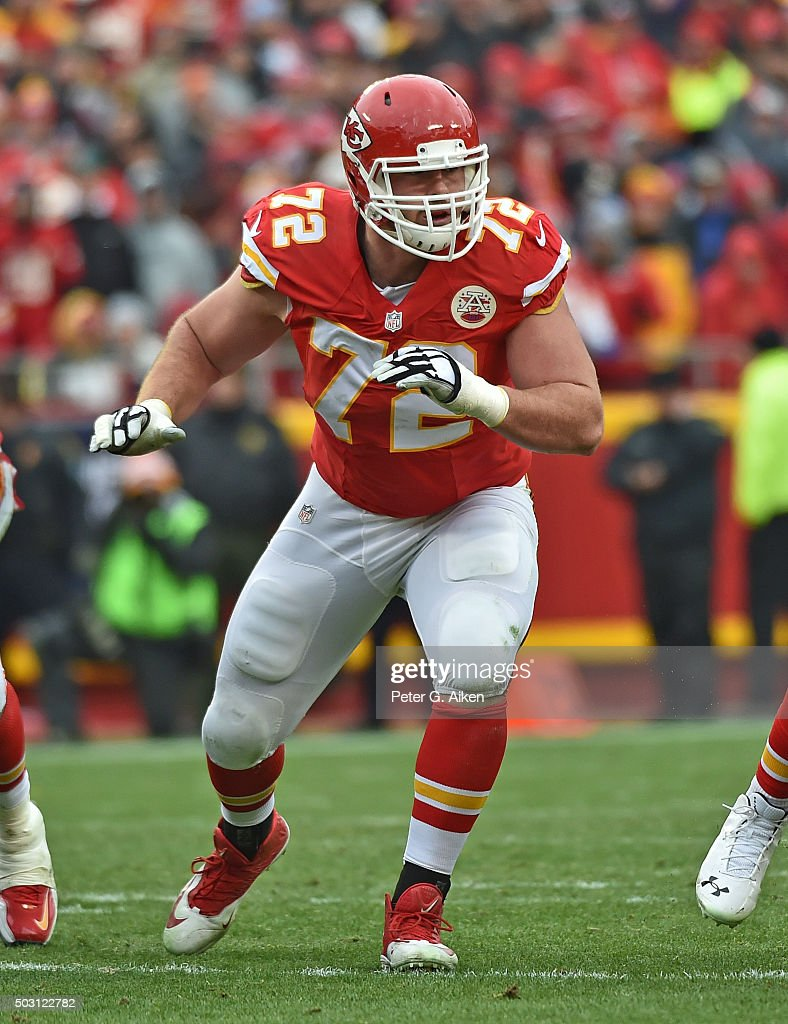 Offensive tackle <a gi-track='captionPersonalityLinkClicked' href=/galleries/search?phrase=Eric+Fisher+-+American+Football+Player&family=editorial&specificpeople=10866831 ng-click='$event.stopPropagation()'>Eric Fisher</a> #72 of the Kansas City Chiefs gets set on the offensive line against the Cleveland Browns during the first half on December 27, 2015 at Arrowhead Stadium in Kansas City, Missouri.
