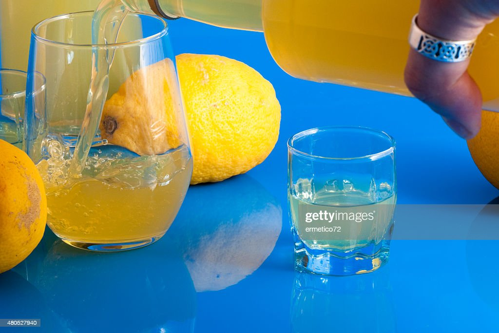 offer a limoncello : Stock Photo