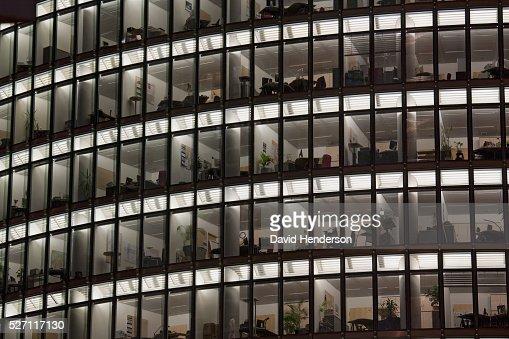 Office at night : Bildbanksbilder