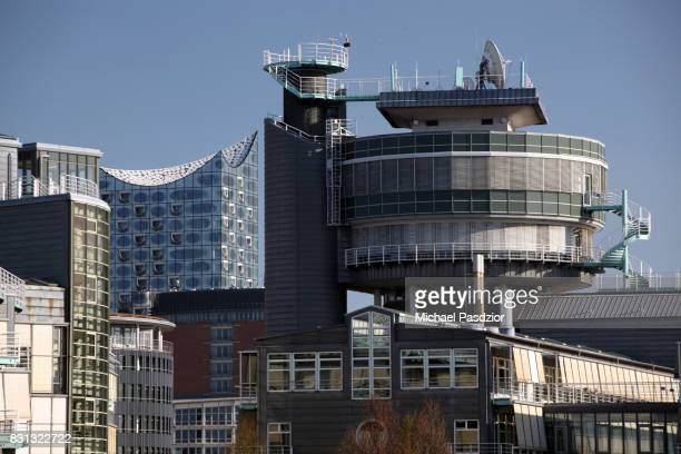 Office building and Elbphilharmonie