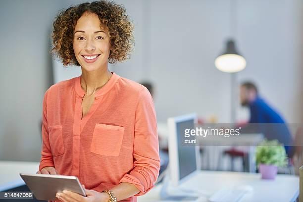 Portrait de femme d'affaires de bureau