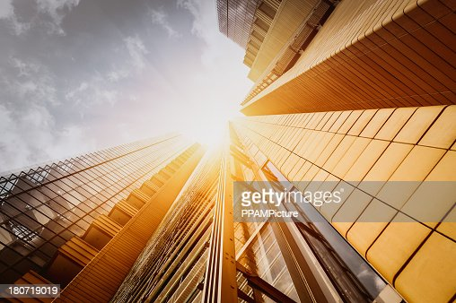 Escritório skysraper do sol