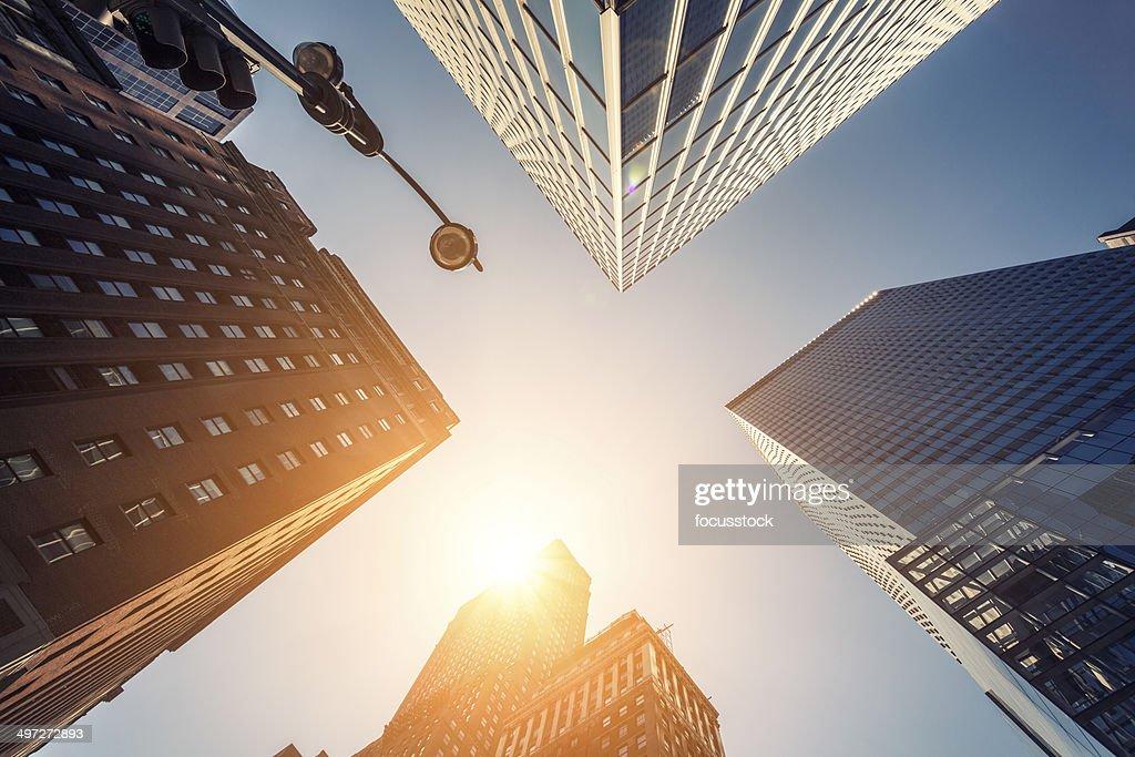 Ufficio skysraper al sole : Foto stock