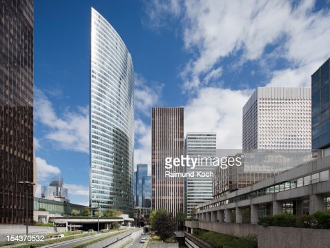 Office towers in La Defense : Photo