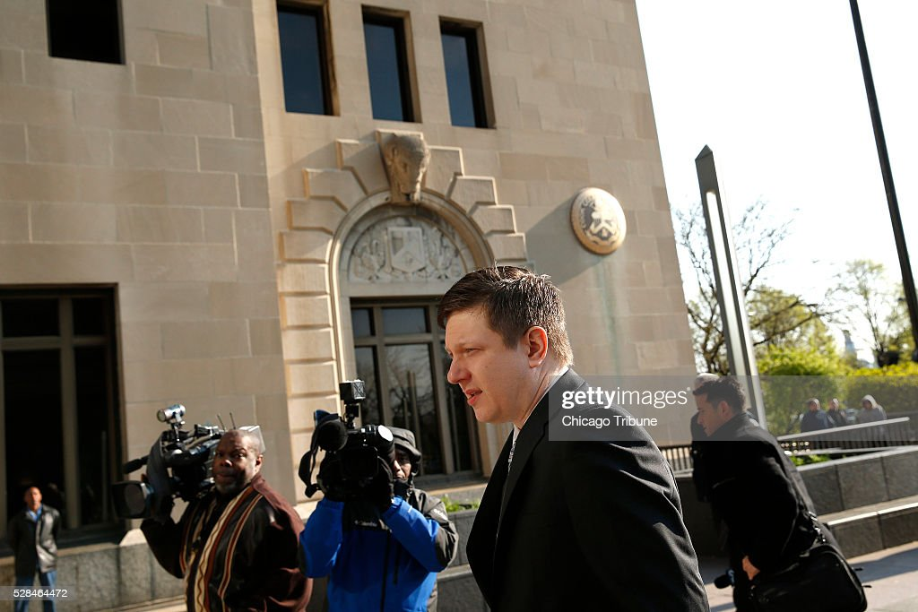 Officer Jason Van Dyke arrives at the Leighton Criminal Court Building in Chicago on Thursday, May 5, 2016.