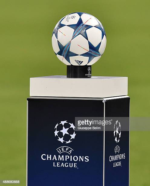 Champions League Roma Vs Barcelona: Adidas Uefa Champions League Stock Photos And Pictures