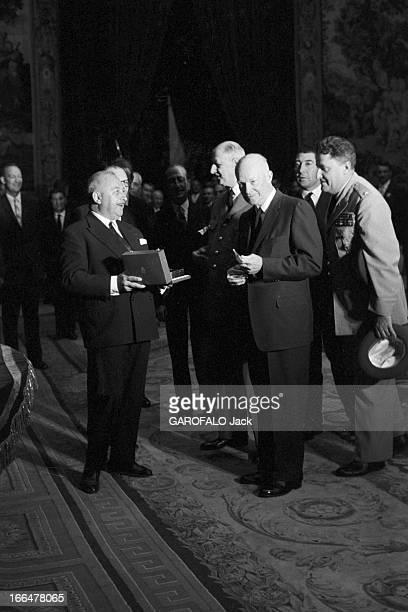 Official Visit Of Dwight David Eisenhower To Paris Septembre 1959 Paris visite officielle de Ike EISENHOWER président des EtatsUnis à l' Hôtel de...
