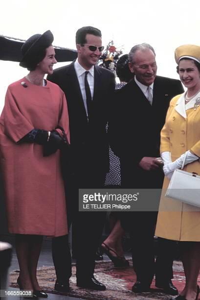 Official Visit Of Elizabeth Ii Of England And Prince Pihlip To Belgium Bruxelles 10 mai 1966 Le roi BAUDOUIN et la reine FABIOLA accueillent la reine...