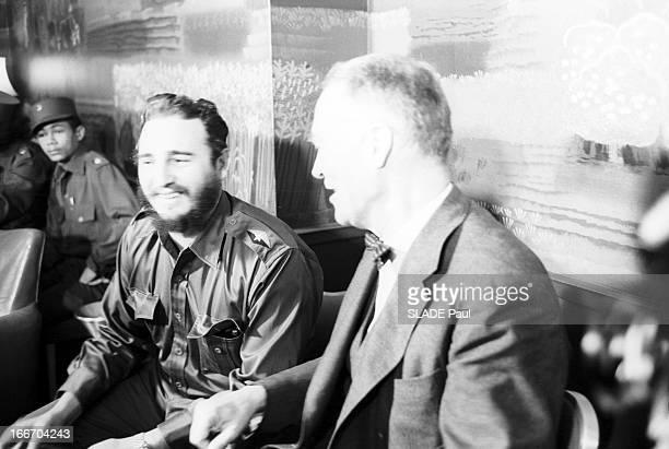 Official Visit Of Fidel Castro To The Cuban Embassy In Washington EtatsUnis Washington 17 avril 1959 le dirigeant politique cubain Fidel CASTRO alors...