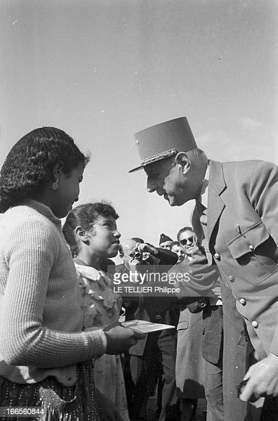 Official Visit Of General Charles De Gaulle To The Algerian Sahara Algérie Sahara décembre 1958 Suite au mouvement populaire qui agite le pays et à...