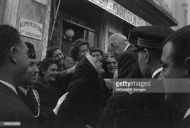 Official Visit Of General De Gaulle In Corsica Corse 7 novembre 1961 le général De GAULLE se rend en visite officielle dans l'Ile de Beauté Ici dans...