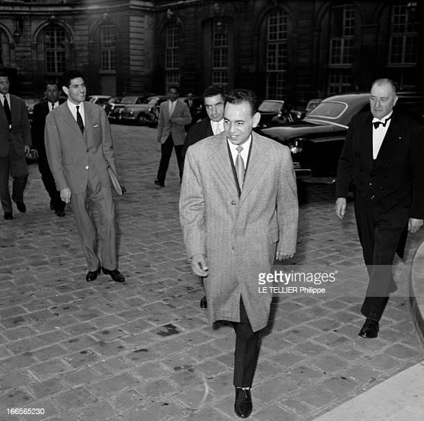 Official Visit Of The Prince Moulay Hassan Of Morocco To Paris Paris octobre 1956 Arrivée du Prince Moulay Hassan du Maroc