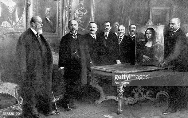 Officials of the Italian Ministry of Public Instruction transfer the Mona Lisa back to France in December 1913