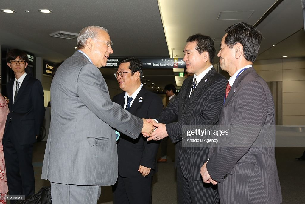 Officials welcome SecretaryGeneral of the Organization for Economic Cooperation and Development Jose Angel Gurria as he arrives at Chubu Centrair...